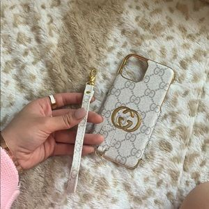 Guccii IPhone X/11 case